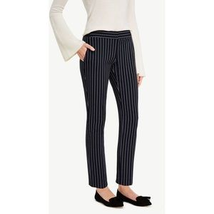 NWOT Ann Taylor navy pin stripped crop pants